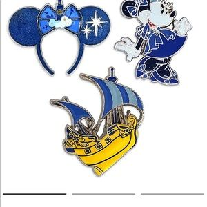 Minnie Mouse main attraction pins